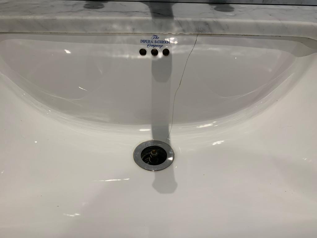 Bath Crack Repair Professionals   MCM Bath Re Enamelling London